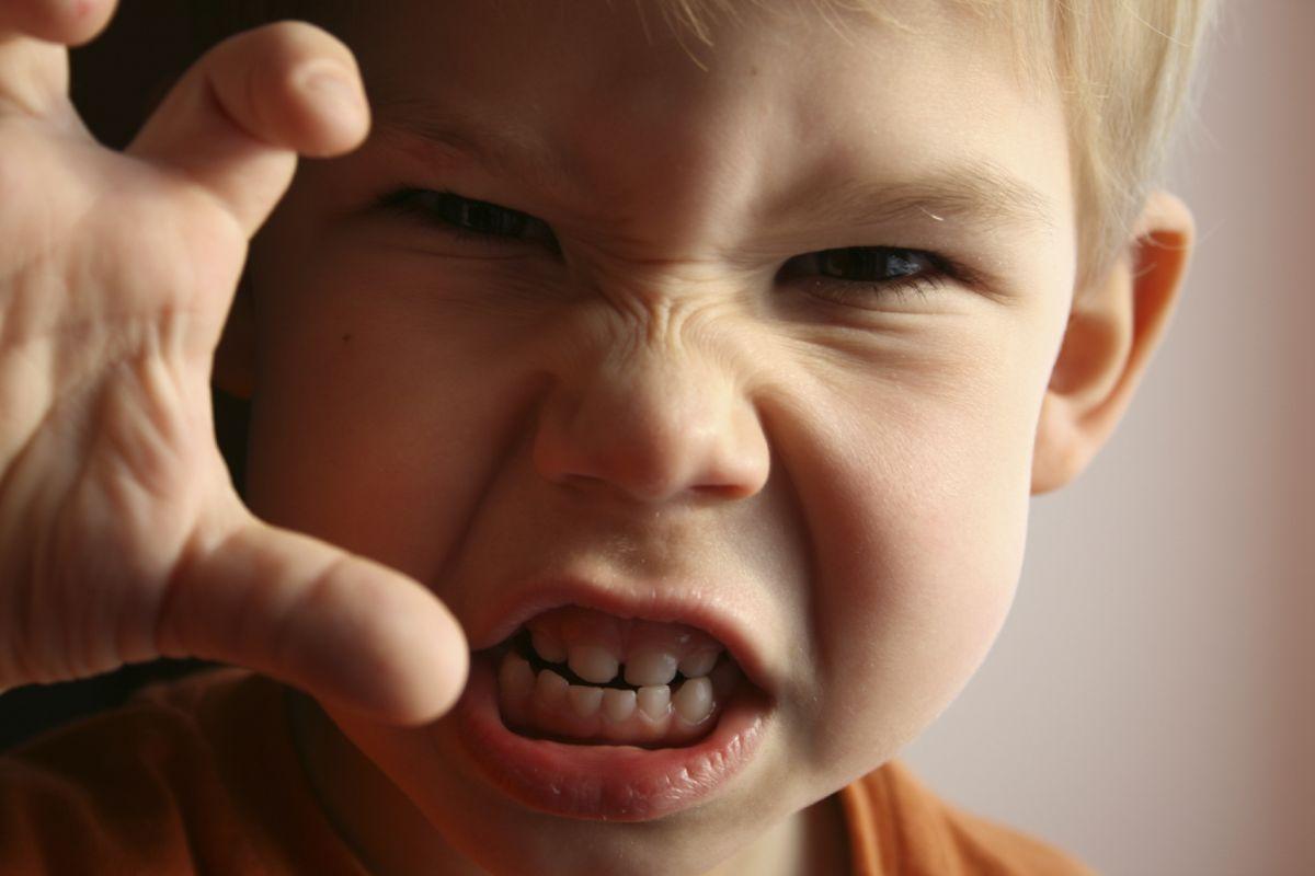 copilul mușcă psihologic