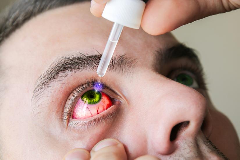 picături pentru ochi la un test ocular