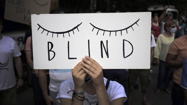 interzis să nască cu o vedere slabă