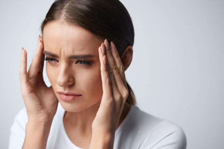 vederea se deteriorează cefaleea
