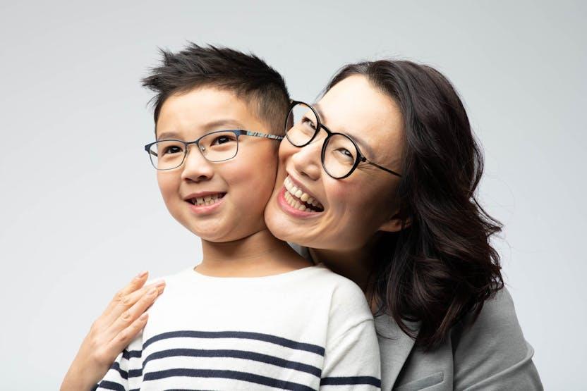 Săculeţ elegant de protecţie pentru ochelari pinholes