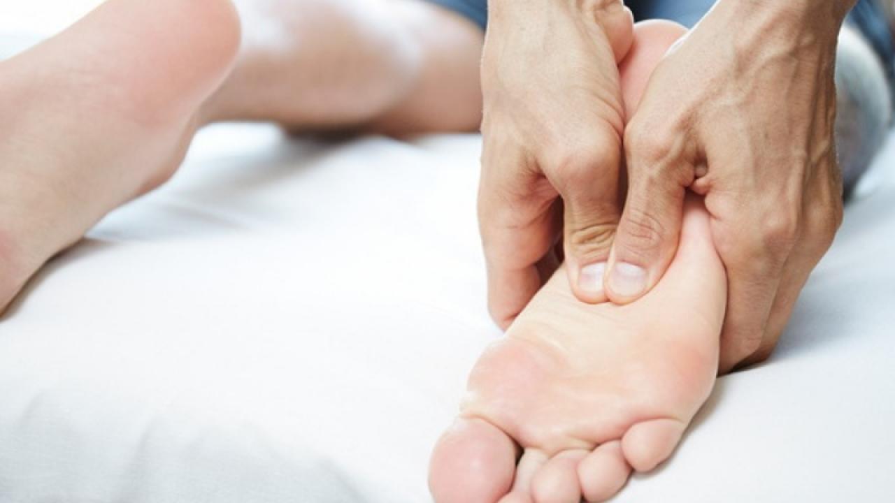 Shiatsu si masaj cu presopunctura la picioare
