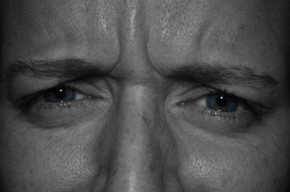 astigmatism viziune plus sau minus